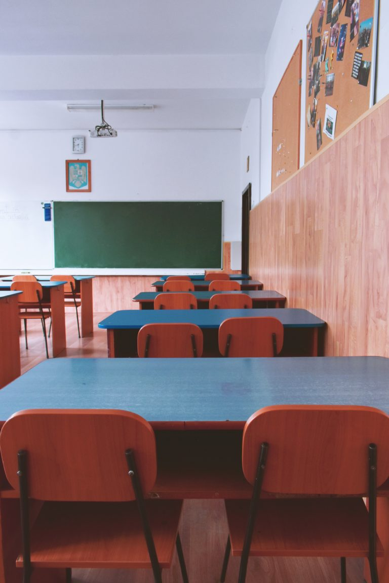 Back To School Cleaning - Midlands, Lincolnshire   Carlton Cleaning UK Ltd